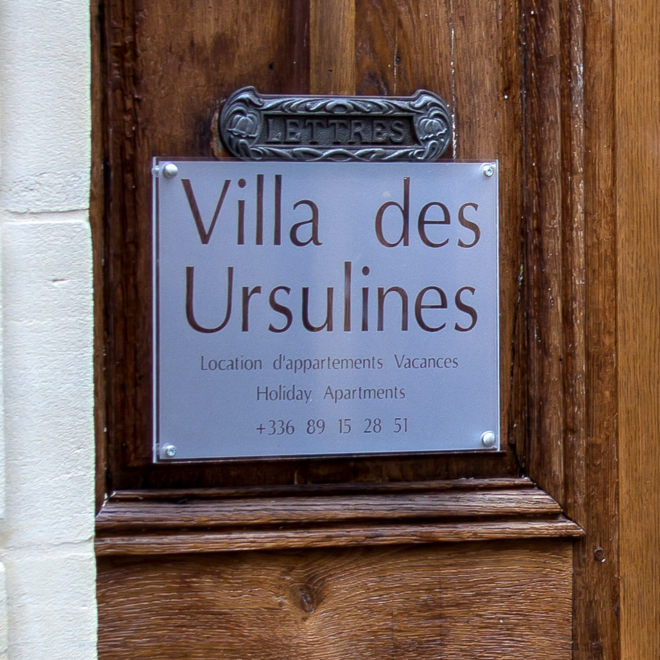 villa-des-ursulines-main-banner-1A